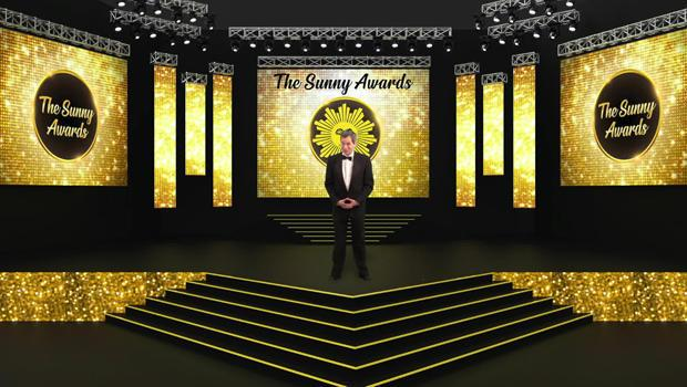 The host of this year's Sunny Awards, David Pogue! / Credit: CBS News