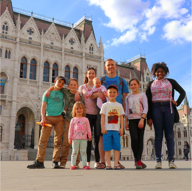 The family in Hungary in 2017 (Instagram/worldschoolfamily)