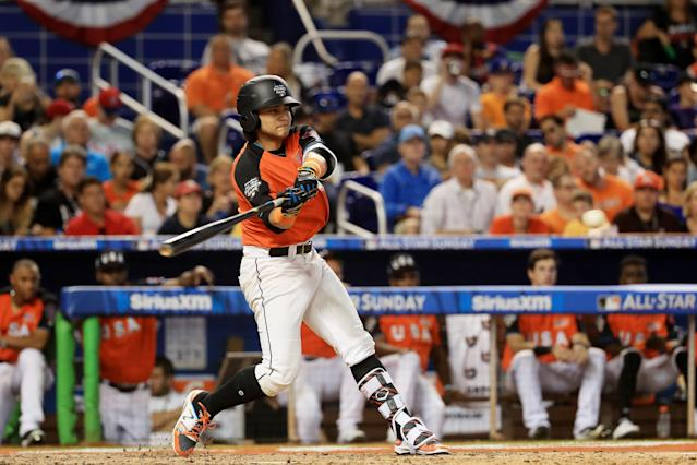 MIAMI, FL – JULY 09: Bo Bichette #10 of the Toronto Blue Jays and the U.S. Team bats against the World Team during the SiriusXM All-Star Futures Game at Marlins Park on July 9, 2017 in Miami, Florida. (Getty Images)