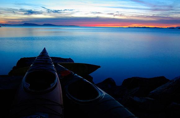 "<div class=""caption-credit""> Photo by: Smarter Travel</div><div class=""caption-title"">Orcas Island, Washington</div>Hop on a kayak just in time to take in this magical view. <br> <i>Find out more at <a rel=""nofollow"" target=""_blank"" href=""https://ec.yimg.com/ec?url=http%3a%2f%2fwww.smartertravel.com%2fphoto-galleries%2feditorial%2fstunning-places-to-see-sunsets-around-the-world.html%3fid%3d169%26amp%3bphoto%3d25040%26quot%3b%26gt%3bSmarter&t=1503147586&sig=RVRPDPfw5qjJwG3YnB7BFA--~D Travel.</a></i> <br> <i><b>MORE ON BABBLE</b> <br> <a rel=""nofollow"" target="""" href=""http://www.babble.com/family-style/2012/08/30/10-quirkiest-hotels-in-the-world/?cmp=ELP%7Cbbl%7Clp%7CYahooShine%7CMain%7C%7C041913%7C%7C25PlacestoSeetheMostBeautifulSunset%7CfamE%7C%7C%7C"">The 10 strangest hotels you'll ever stay at</a> <br> <a rel=""nofollow"" target="""" href=""http://www.babble.com/family-style/2012/02/01/25-amazingly-tiny-houses/?cmp=ELP%7Cbbl%7Clp%7CYahooShine%7CMain%7C%7C041913%7C%7C25PlacestoSeetheMostBeautifulSunset%7CfamE%7C%7C%7C"">25 insanely tiny houses</a><a rel=""nofollow"" target=""_blank"" href=""http://www.smartertravel.com/photo-galleries/editorial/stunning-places-to-see-sunsets-around-the-world.html?id=169&photo=25040""><br> <br></a></i>"