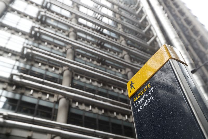 Fossil fuel protest targets reopening of Lloyd's underwriting floor