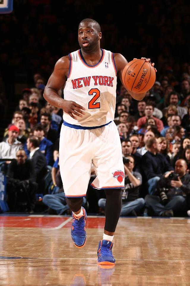 NEW YORK, NY - APRIL 4: Raymond Felton #2 of the New York Knicks handles the ball against the Washington Wizards during a game at Madison Square Garden in New York City. (Photo by Nathaniel S. Butler/NBAE via Getty Images)