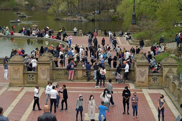 PHOTO: New Yorkers enjoy springtime in Central Park, April 18, 2021. (Andrew H. Walker/Shutterstock)