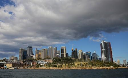 Australia's GDP growth hits decade low, stimulus needed to avoid recession