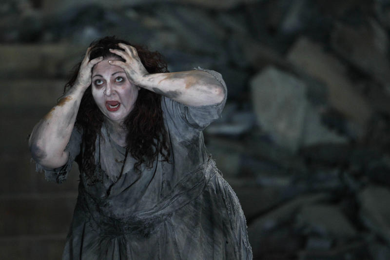 """In this photo taken Tuesday, Oct. 2, 2012, in Chicago, Christine Goerke performs as Elektra, during the first act of a dress rehearsal of the Lyric Opera of Chicago's new production of """"Elektra."""" (AP Photo/M. Spencer Green)"""