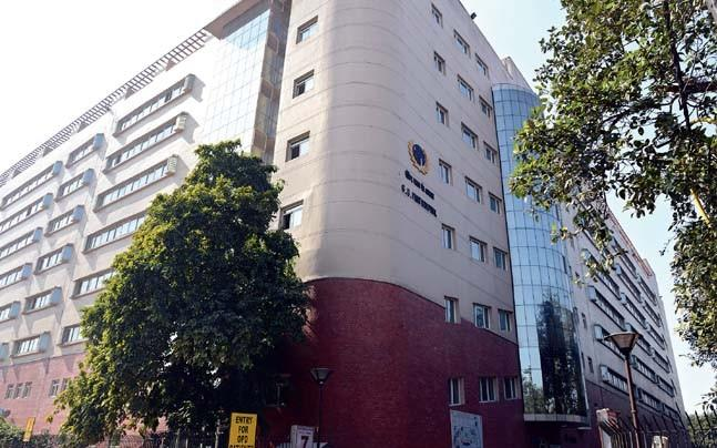 <p>After news about the lack of life saving drugs with government run medical institutes in the city, now a case of a patient being kicked and dragged when he questioned about the availability of medicines has been reported.</p>