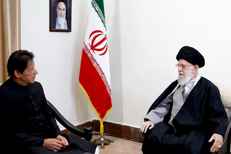 Imran Khan (L) also met with Iran's Supreme Leader Ayatollah Ali Khamenei (AFP Photo/-)