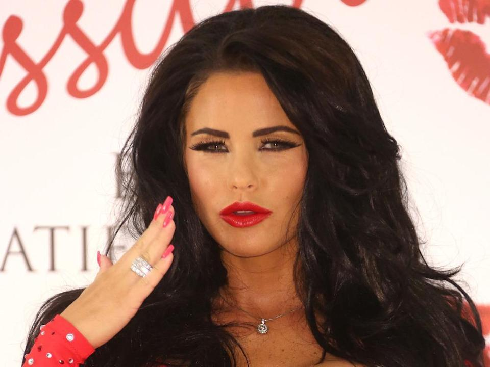 Fünffach-Mama Katie Price will weitere Kinder. (Bild: Shutterstock.com / Featureflash Photo Agency)