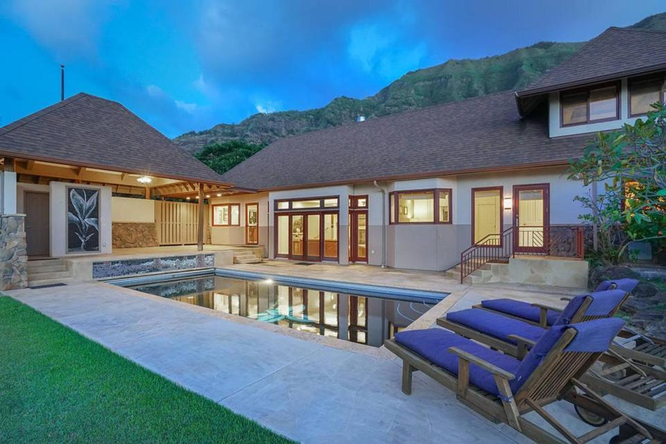 <p>Nicole Scherzinger is reportedly selling her £1m (AUD$1.8 million) tropical estate in Hawaii.</p>