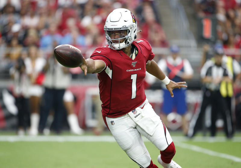 GLENDALE, ARIZONA - SEPTEMBER 08: Quarterback Kyler Murray #1 of the Arizona Cardinals pitches the ball off during the first half of the NFL football game against the Detroit Lions at State Farm Stadium on September 08, 2019 in Glendale, Arizona. (Photo by Ralph Freso/Getty Images)