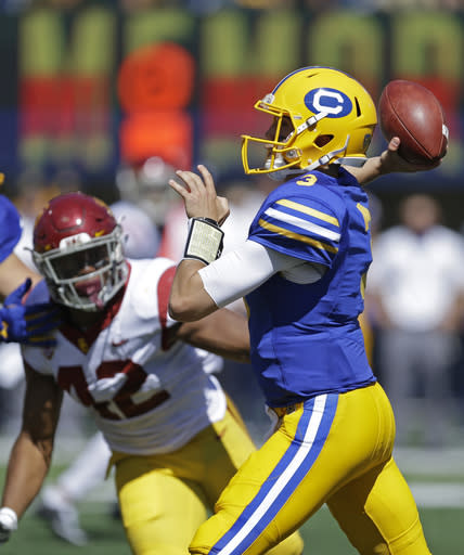 """Cal quarterback <a class=""""link rapid-noclick-resp"""" href=""""/ncaaf/players/251105/"""" data-ylk=""""slk:Ross Bowers"""">Ross Bowers</a>' four interceptions on Saturday ensured there wouldn't be an upset over USC (AP Photo)"""