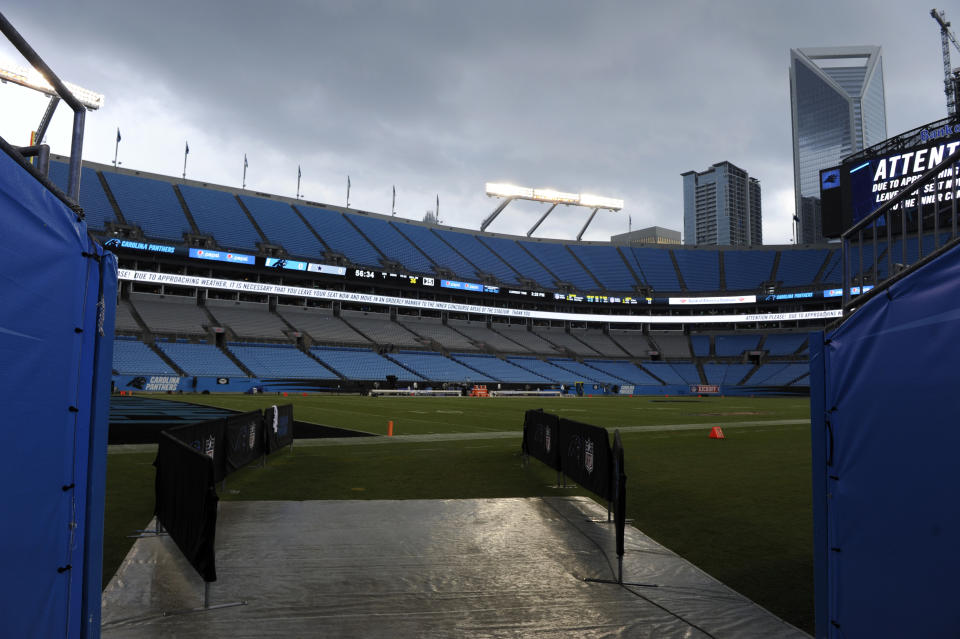 Why wouldn't the NFL take advantage of college-free Saturdays? (AP Photo/Mike McCarn)