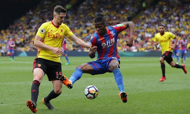 Crystal Palace grind out a point at Watford to edge closer to safety