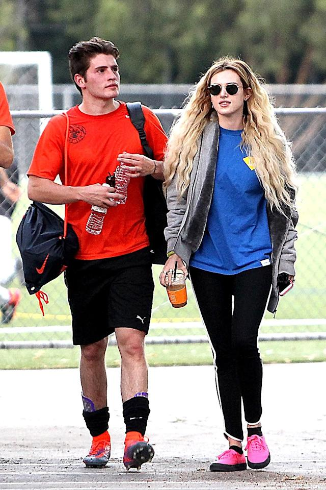 """<p><a href=""""https://www.yahoo.com/celebrity/bizarre-possible-couple-scott-disick-bella-thorne-fly-off-cannes-together-173624480.html"""" data-ylk=""""slk:Scott Disick is sooo last week"""" class=""""link rapid-noclick-resp"""">Scott Disick is sooo last week</a>! The singer and actress was spotted cheering on ex-boyfriend Gregg Sulkin at a soccer game in L.A. (Photo: BACKGRID) </p>"""