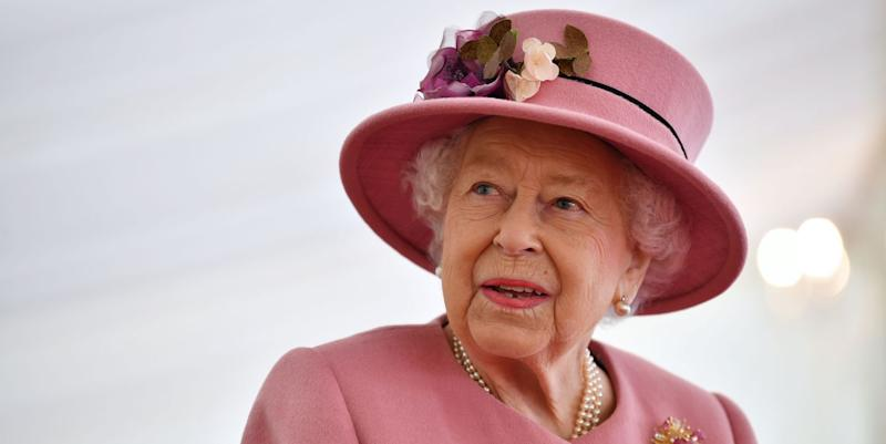 The Queen wears incredible sapphire tiara and wedding jewellery for official portrait