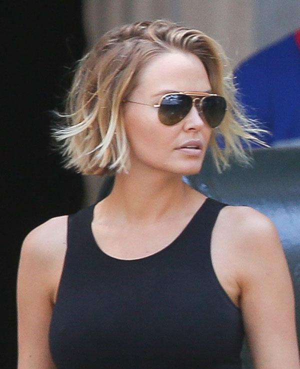<br>It was the bob that inspired *SO* many trips to hairdresser, but alas the 'Bingle Bob' is no more! Lara Worthington posted a video of her most recent trip to the salon and she's gone for the chop...