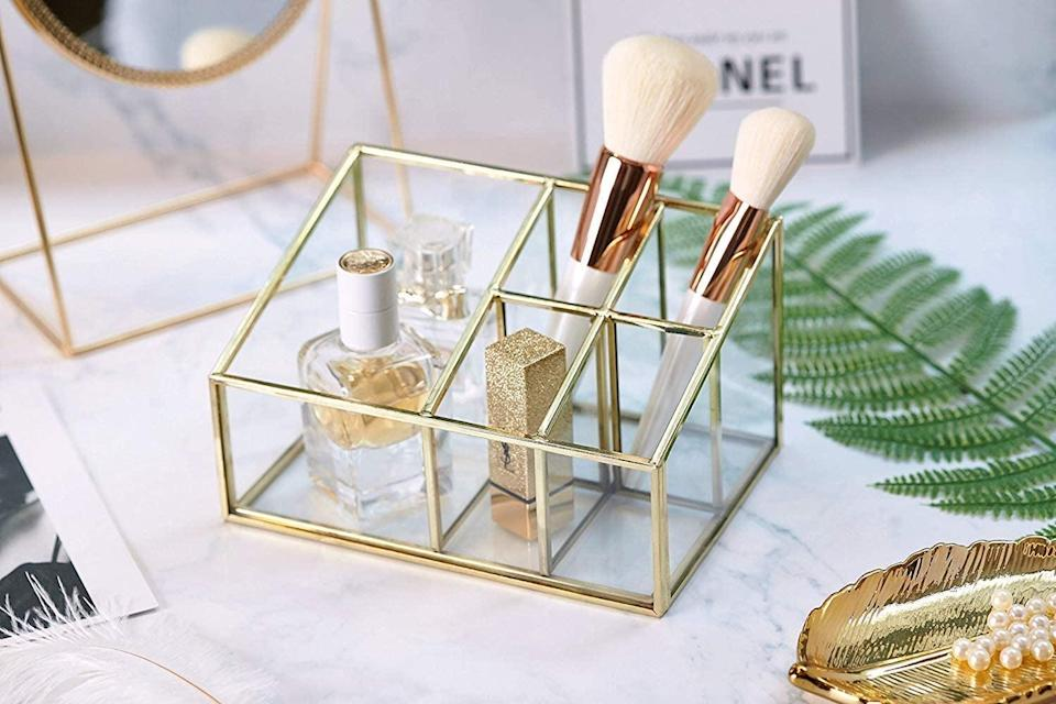 <p>Get this <span>PuTwo Makeup Organizer</span> ($22) for your vanity.</p>