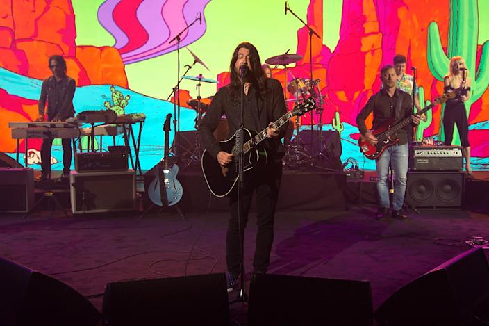 <p>Dave Grohl and the Foo Fighters performed on the <em>Late Night with Seth Meyers</em> set in New York City.</p>