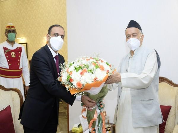Newly appointed Consul General of the UAE in Mumbai Abdulla Husein Salman Mohamed Almarzooqi with Maharashtra Governor Bhagat Singh Koshyari.