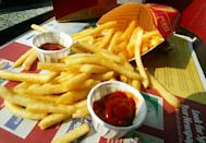 """<p>There's no denying that, at times, fast food can be pretty gross. But some of it is definitely more gross than the norm. And now, thanks to some fast food workers posting on Reddit, the not-so-nice insider secrets have been revealed. We sifted through several threads to see which menu items are the worst culprits. And it's not just a case of funny food fails or horror stories like employees using utensils to style their hair in the kitchen—some of these tips are really practical. Like, if you're in a big rush, chicken might not be your best bet.</p><p>Keep in mind that many of these restaurants are franchises. And not every franchise has the same rules or standards, although some would argue """"don't order tuna"""" at a fast food restaurant is a hard-and-fast rule regardless of where you go.<br></p>"""