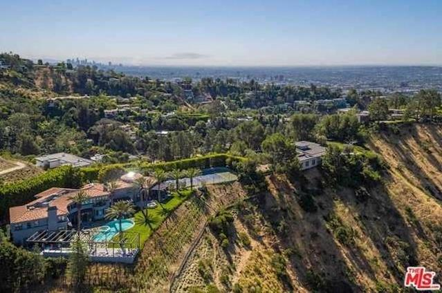 Aerial view of Kylie Jenner's rental house. (Photo: TheMLS.com)