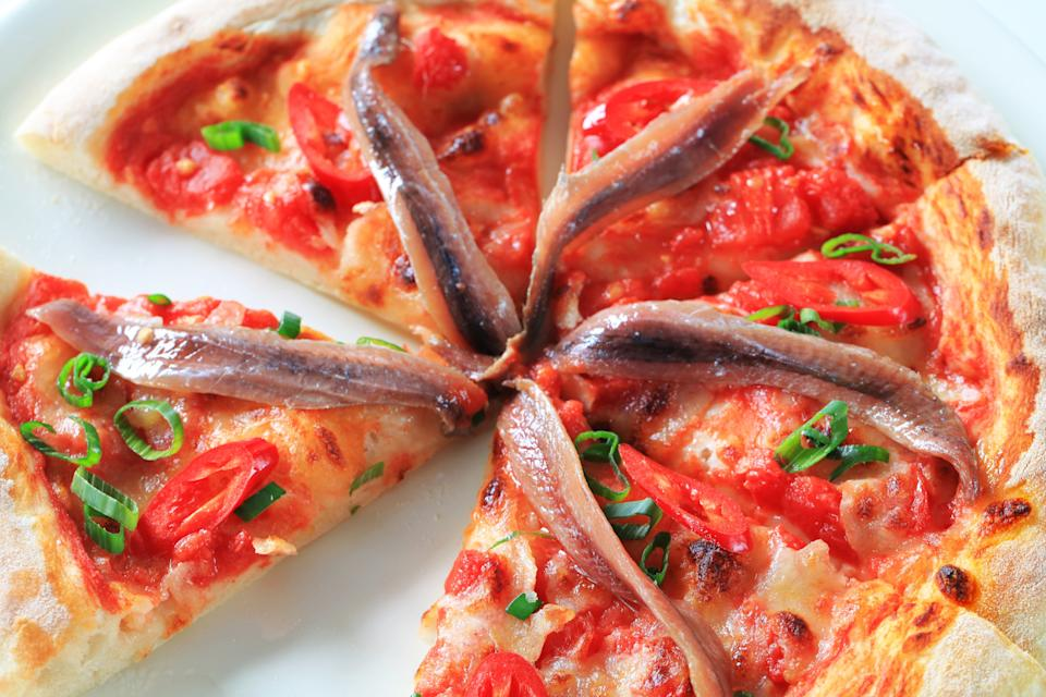 """<h1 class=""""title"""">Anchovy pizza</h1><cite class=""""credit"""">milanfoto/Getty Images</cite>"""