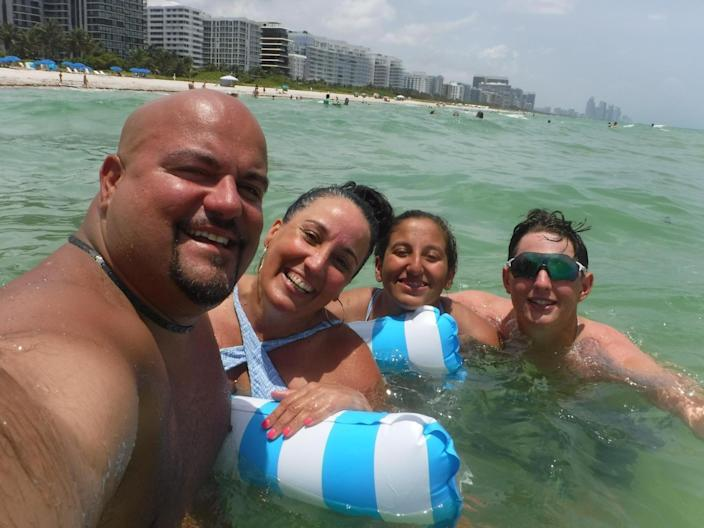 Aguero family narrowly escapes collapsing Surfside condo tower