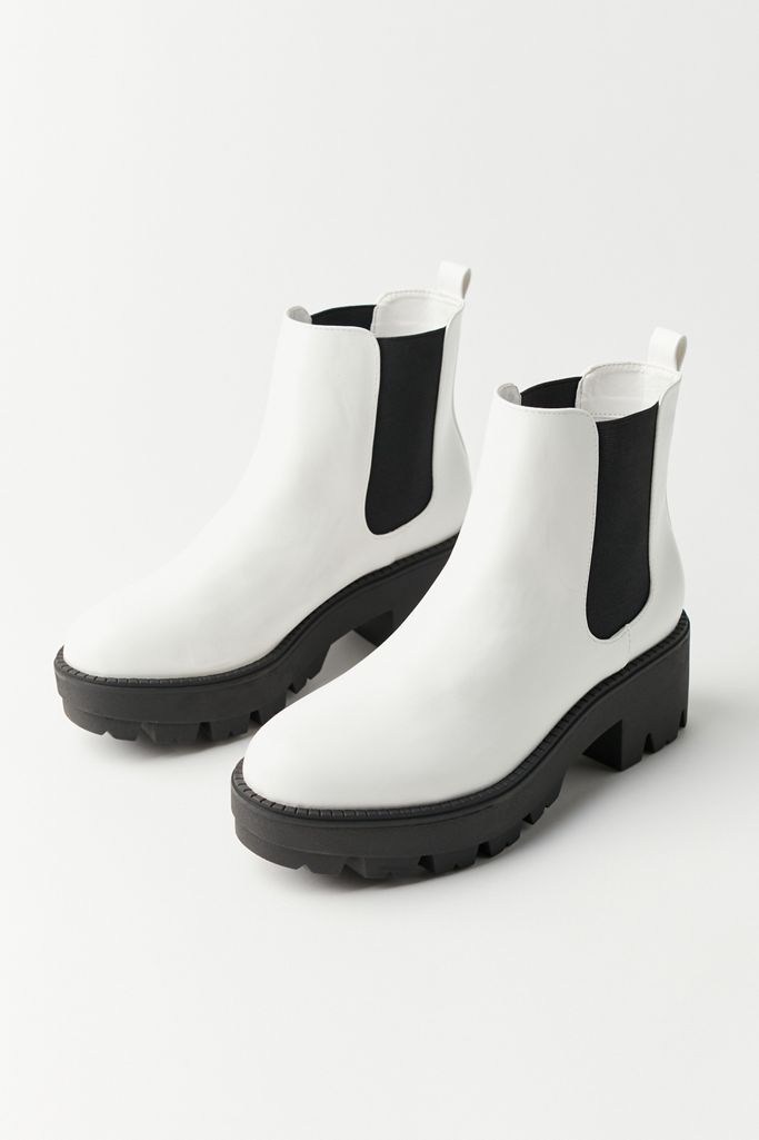 """<br><br><strong>Urban Outfitters</strong> Remy Chelsea Boot, $, available at <a href=""""https://go.skimresources.com/?id=30283X879131&url=https%3A%2F%2Fwww.urbanoutfitters.com%2Fshop%2Fuo-remy-chelsea-boot"""" rel=""""nofollow noopener"""" target=""""_blank"""" data-ylk=""""slk:Urban Outfitters"""" class=""""link rapid-noclick-resp"""">Urban Outfitters</a>"""