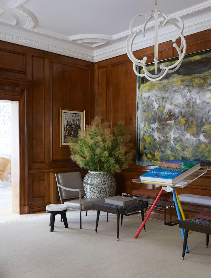 """Elegant restraint is the hallmark of the great room. """"The space is intentionally devoid of pattern, so as to not compete with the art,"""" Newman explains. """"There are pockets of visual reprieve, which allow one to move from one detail to another—much like how a gallery functions."""""""