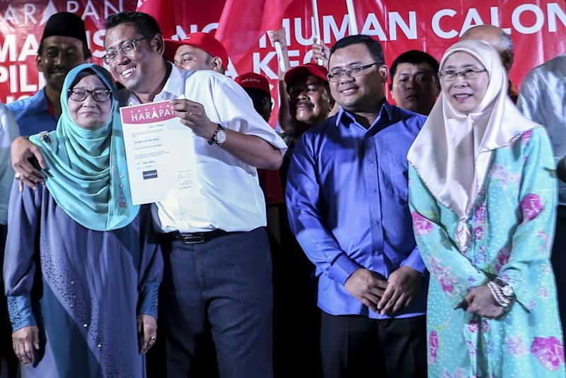 Petaling Jaya City councillor Halimey Abu Bakar (second left) will defend the Seri Setia state seat in the by-election. — Picture by Hari Anggara