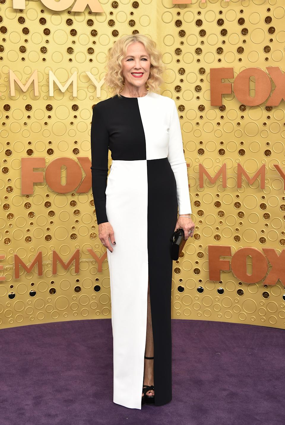 """<h1 class=""""title"""">Catherine O'Hara in custom Greta Constantine</h1><cite class=""""credit"""">Photo: Getty Images</cite>"""