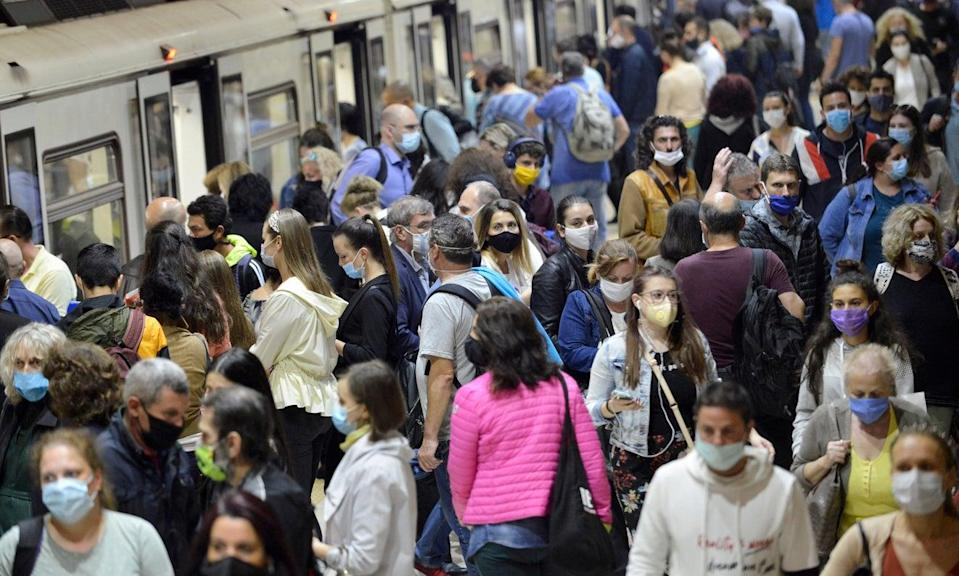 Port Authority of New York and New Jersey will start handing out fines for those not wearing face masks correctly (Getty Images)