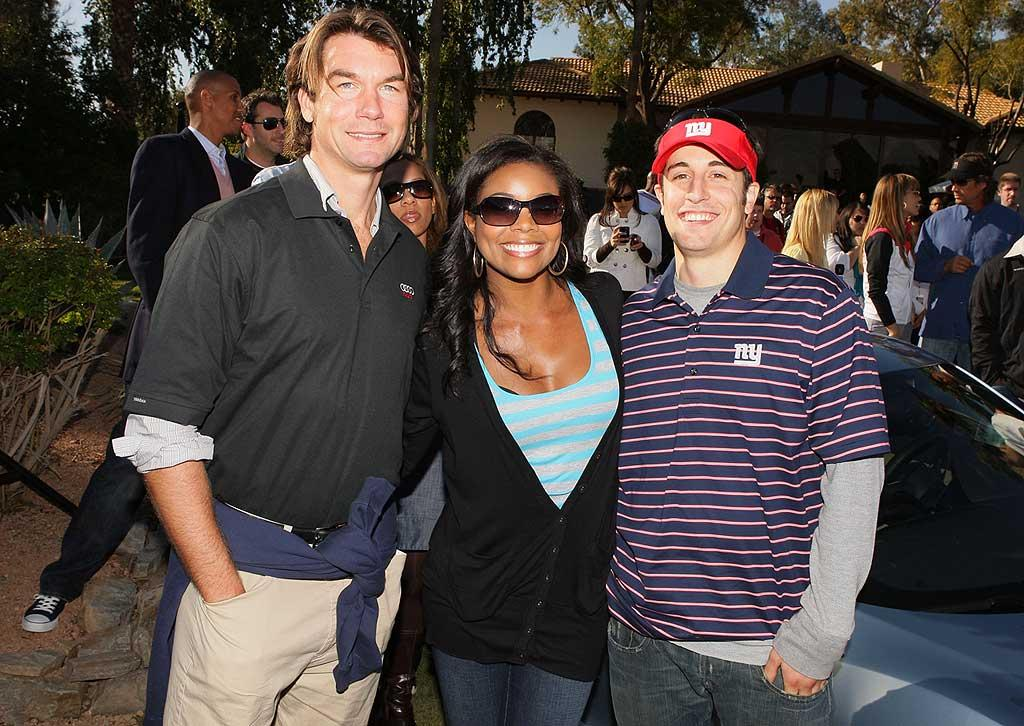 (L-R) Actors Jerry O'Connell, Gabrielle Union and Jason Biggs attend the Audi Hole-in-One Challenge for Charity at the Audi Forum on January 30, 2008 in Phoenix, Arizona. Audi Hole-in-One Challenge for Charity at the Audi Forum Phoenix Audi Forum Phoenix, AZ United States January 30, 2008 Photo by Chris Polk/WireImage.com To license this image (15394745), contact WireImage.com