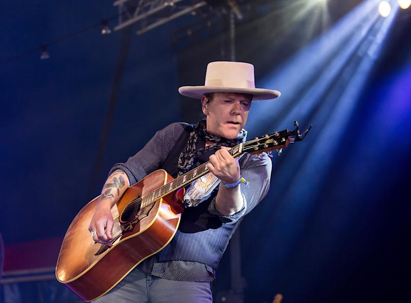 Kiefer Sutherland performs at the Glastonbury Festival in Somerset, England on June 25, 2017.