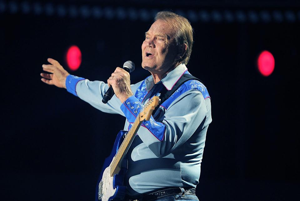 Glen Campbell performs during the CMA Music Festival at LP Field in Nashville June 7, 2012.
