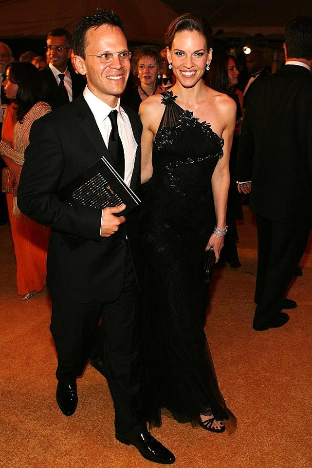 """Hilary Swank was escorted by her boyfriend, John Campisi, into the Governor's Ball. Frazer Harrison/<a href=""""http://www.gettyimages.com/"""" target=""""new"""">GettyImages.com</a> - February 24, 2008"""