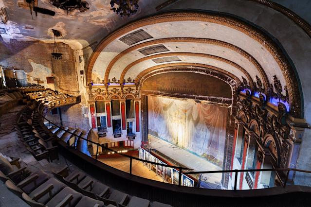 """<p>In fact, photographer Matt Lambros said, """"The theaters were always my favorite part of the building."""" (Photo: Matt Lambros/Caters News) </p>"""