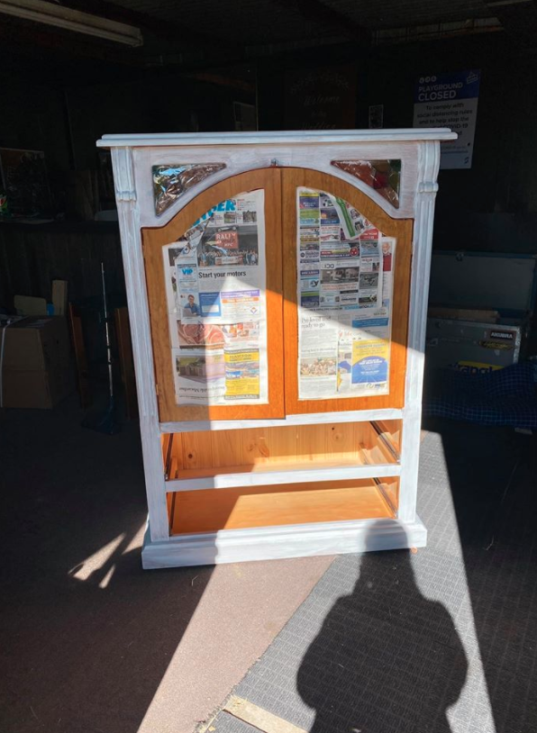 Painting an old TV unit