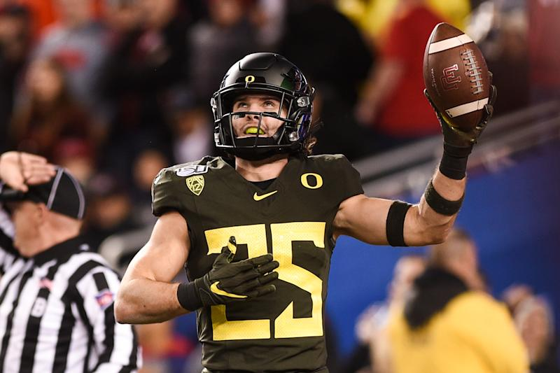 Oregon Ducks safety Brady Breeze (25) celebrates after his first-half interception against the Utah Utes on Saturday. (Cody Glenn/Getty Images)
