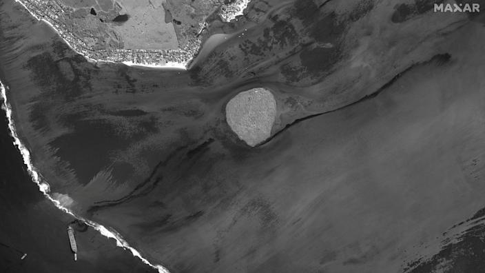 Satellite images show the extent of the oil spill