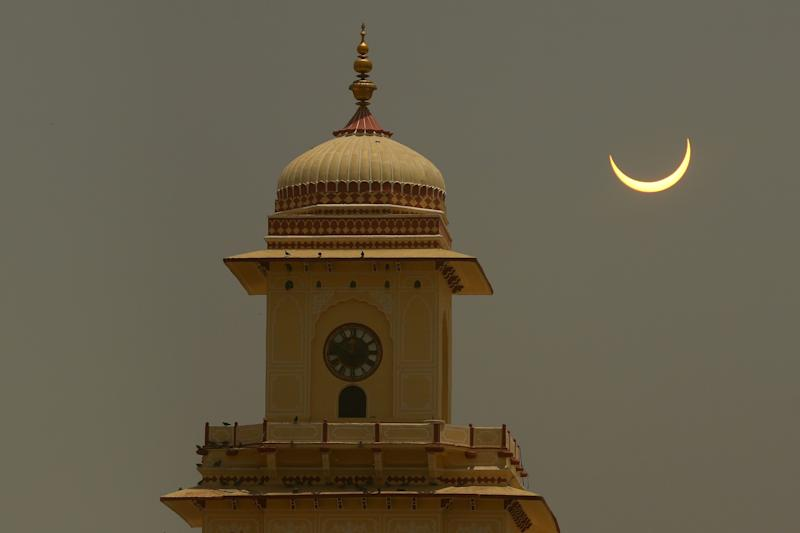 A view of solar eclipse as seen in the sky from City Palace, in Jaipur, Rajasthan, India,June 21, 2020.(Photo by Vishal Bhatnagar/NurPhoto via Getty Images)