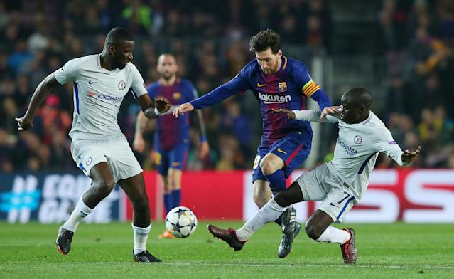 Soccer Football - Champions League Round of 16 Second Leg - FC Barcelona vs Chelsea - Camp Nou, Barcelona, Spain - March 14, 2018 Barcelona's Lionel Messi in action with Chelsea's Antonio Rudiger and N'Golo Kante REUTERS/Albert Gea
