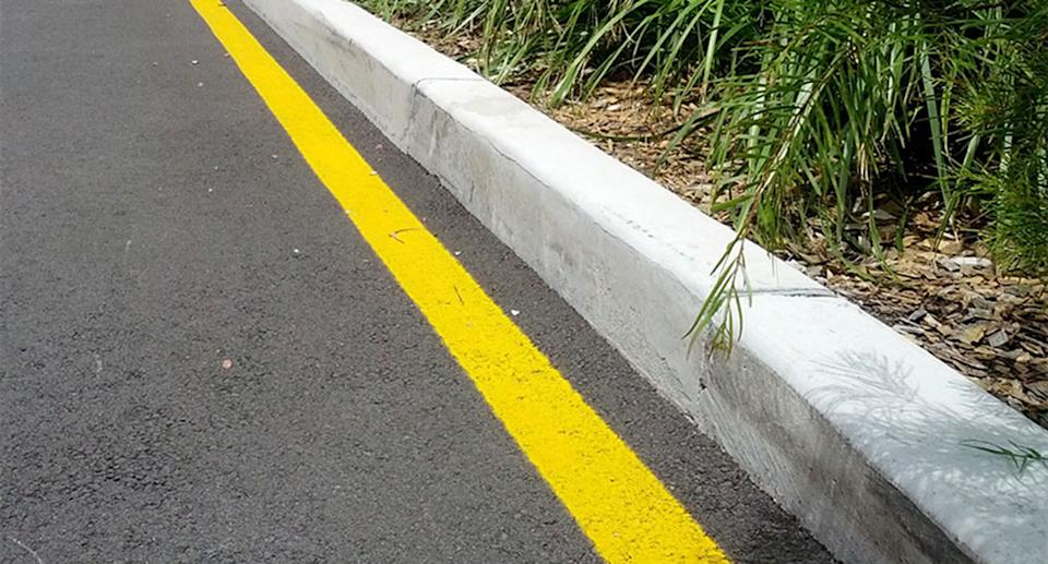 Yellow line next to kerb. Source: Sutherland Shire Council