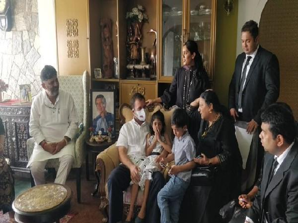 Rahul Gandhi meets family members of late senior party leader Oscar Fernandes (Photo/ANI)