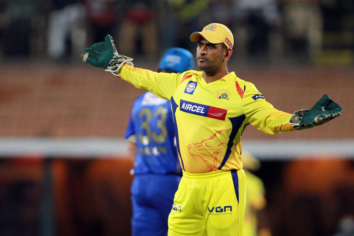 MS Dhoni setting his field during match 30 of the Pepsi Indian Premier League between The Chennai Super Kings and the Rajasthan Royals held at the MA Chidambaram Stadium in Chennai on the 22nd April 2013. Photo by Jacques Rossouw-IPL-SPORTZPICS ..Use of this image is subject to the terms and conditions as outlined by the BCCI. These terms can be found by following this link: https://ec.yimg.com/ec?url=http%3a%2f%2fwww.sportzpics.co.za%2fimage%2fI0000SoRagM2cIEc&t=1503558724&sig=FXt2zyA5xJf27sP7qaPqPg--~D