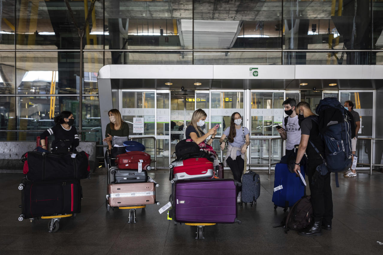 E.U. might block vacationers from America as U.S. struggles to include coronavirus