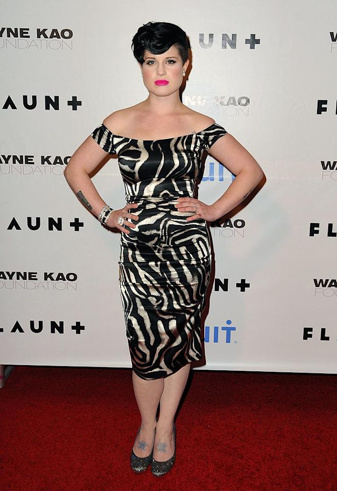 "Kelly Osbourne flaunted her figure in a fun off-the-shoulder print dress. Jordan Strauss/<a href=""http://www.wireimage.com"" target=""new"">WireImage.com</a> - December 18, 2008"