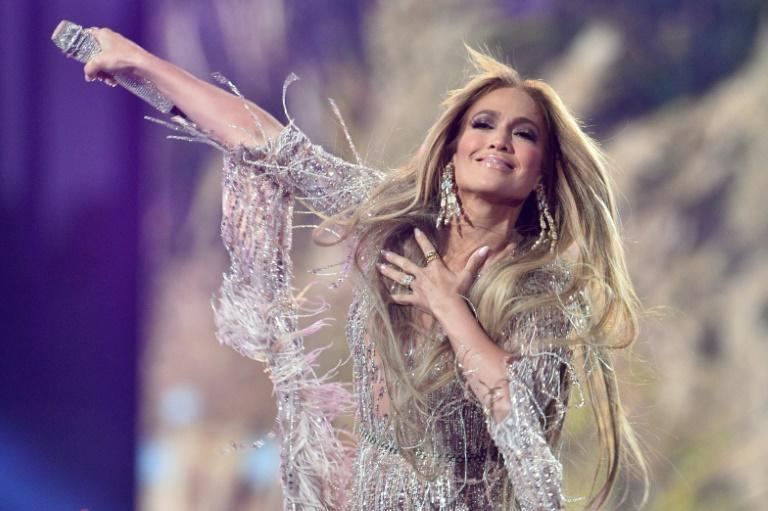 A glittering J-Lo told fans she had been forced to spend Christmas without her mother for the first time due to the pandemic