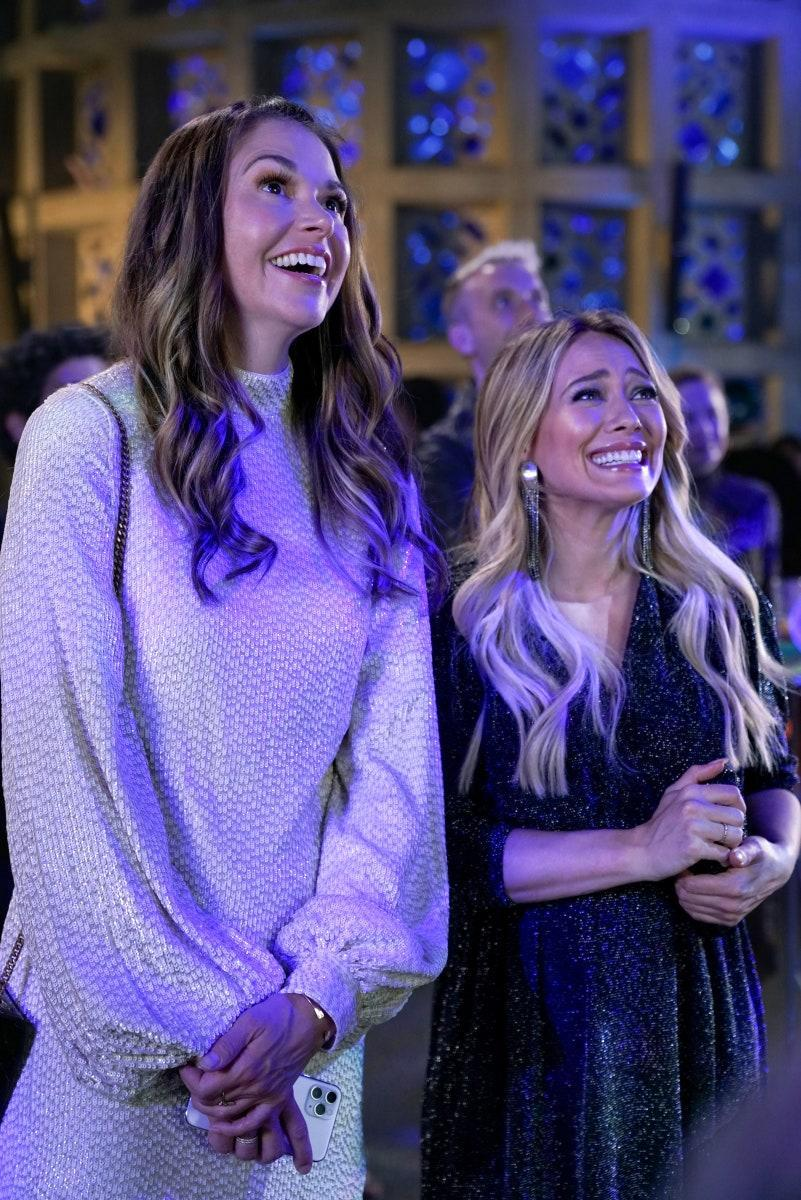 Sutton Foster as Liza and Hilary Duff as Kelsey in the final season of Younger.