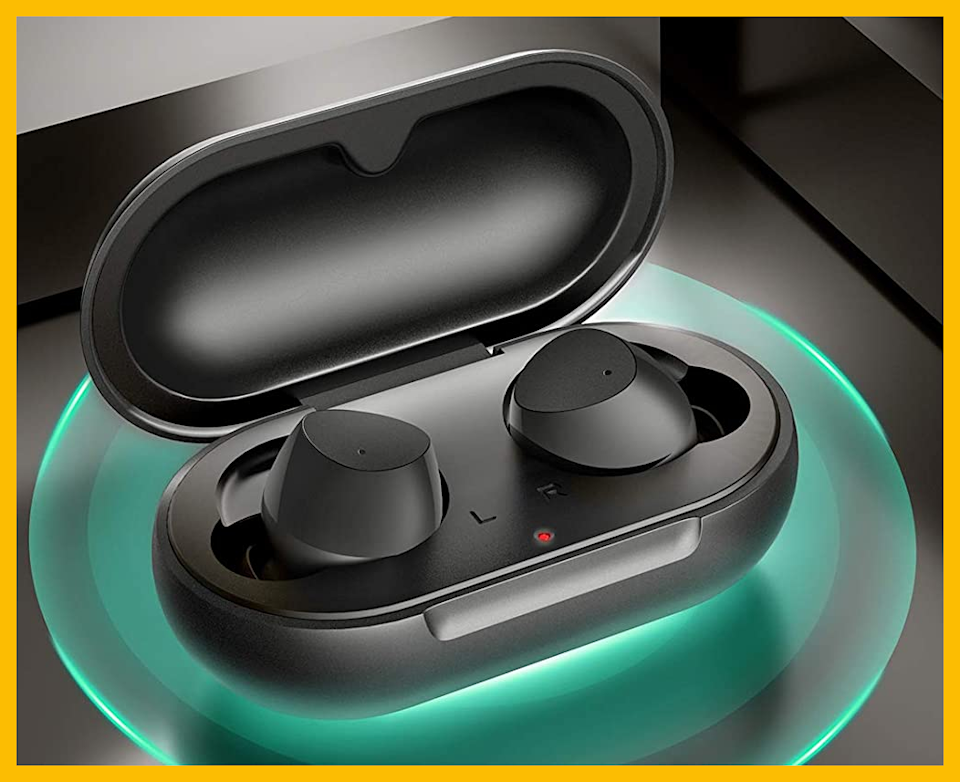 These wireless earbuds are also waterproof! (Photo: Amazon)